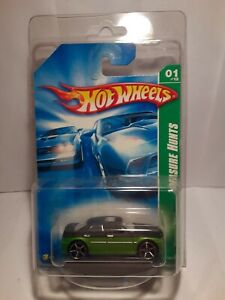 Hot Wheels Treasure Hunt 2008 Chrysler 300 With Protector