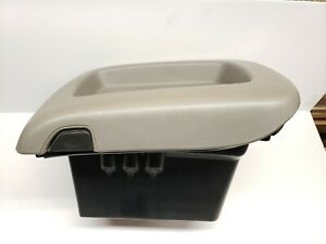 2003 2006 Tahoe Yukon Avalanche Front Center Console Lid Insert Assembly Gray