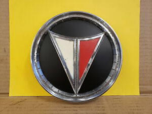 1962 1963 1964 1965 Plymouth Valiant Signet Grille Trunk Emblem Medallion Grill