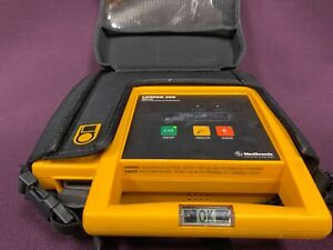 Medtronic Physio control Lifepak 500 Biphasic Aed Defibrillator With Case