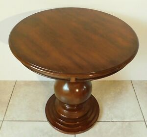 Beautiful Large Vintage 26 Solid Mahogany Round Pedestal Side End Accent Table
