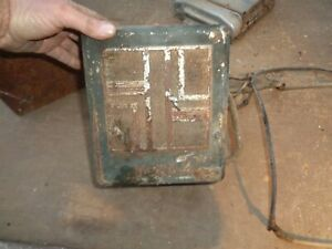 1932 1938 1948 1950 Chevrolet Ford Motorola Radio For Parts Or Cabinet