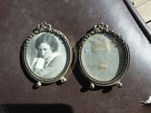 2 Vintage Small Oval Picture Frames Antique Metal Wall Decor