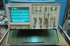 Tektronix 2465b 400mhz 4 channel Analog Oscilloscope With Accessory Pouch