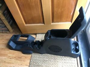 97 06 Jeep Wrangler Tj Full Center Console W Subwoofer Key