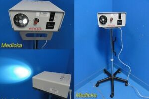 Isolux 1300 Xsb Fiber Optic Surgical Light Source W Rolling Stand 24104