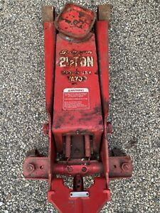 Snap On Ya 700 Floor Jack 2 1 2 Ton Capacity excellent Condition