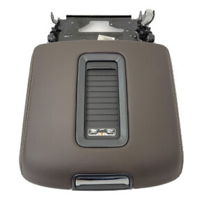 Leather Center Console Armrest Lid Charger Tahoe Suburban Yukon Cocoa 15 19 Oem