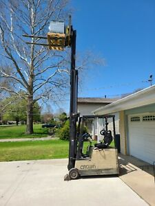 1998 Electric Crown Forklift