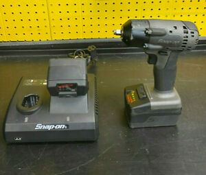Snap On Ct8810bgm 3 8 Impact Wrench Gray With Two Batteries And Charger