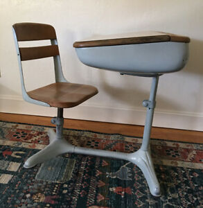 Vintage Child S School Desk American Seating Co 1930 50 S Swivel Seat Inkwell