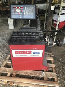 Coats 1250 2d Tire Balancer Laser Guided Operation