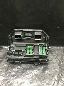 2011 Chrysler Town Country Oem Rebuilt Tipm Fuse And Relay Box 04692335
