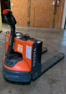 Electric Pallet Jack Toyota 4500 Lbs
