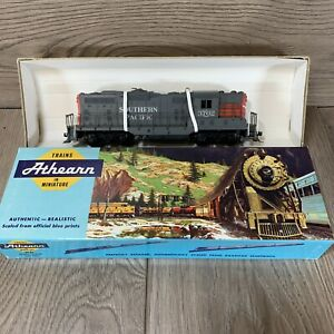 Athearn 3053 Southern Pacific GP9 Dummy RTR HO Untested b $29.95