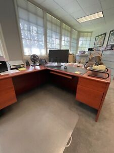 Solid Cherrywood Executive L shaped Desk And Credenza