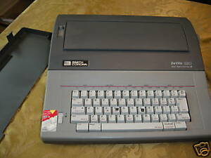 Refurbished Smith Corona Deville 580 Typewriter W spell Check Built In