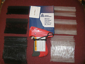 Avery Dennison Fine Clothing Price Tagging Gun