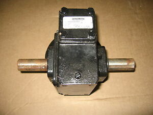 Winsmith 920mwn C face Right Angle Speed Reducer 30 1 Ratio 56c