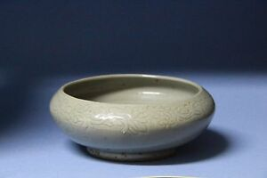 Yuan Dynasty Green Glaze Carved Brush Container S019