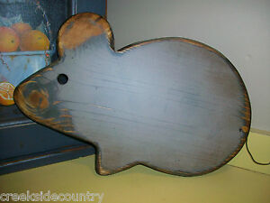 Primitive Wood Mouse Bread Board With Chop Block Oil