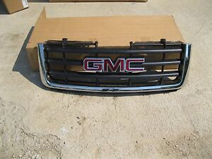 Oem Take Off Grille 2007 2012 Gmc Sierra 1500 Black W Chrome Surrounds