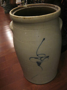 Antique 6 Gal Stoneware Churn With Bee Sting Logo Blue Paint