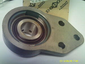 1 1 4 Dodge Stk 124445 Fb sc 104 Mounted 3 Bolt Flanged Bearing