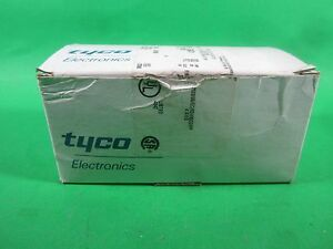 Tyco Electronics Electrical Connectors 33471 lot Of 100 New
