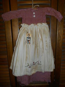 Primitive Wall Decor Dress Burgundy Check W Apron Holly Leaves Christmas Grungy