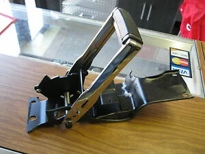 70 71 72 Monte Carlo New Horseshoe Automatic Console Floor Shifter Assembly