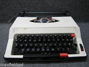 Refurbished Royal Me 25 Roytype Portable Manual Typewriter Hard Case W warranty