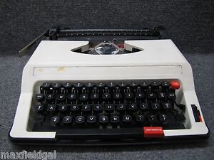 Refurbished Royal Me 25 Roytype Portable Manual Typewriter Hard Case Sold As Is