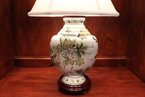 Vintage Style White And Green Spring Green Leaf Theme Chinese Porcelain Lamp