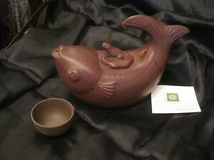 Yixing Clay Teapot With Lid And 1 Cup Handmade In China Fish With Frog Lid