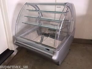 Isa Pastry Show 120 Refrigerated Display Case Deli Bakery Dessert Cake Curved