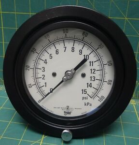 Marshalltown 4 1 2 Pressure Gauge 0 15 Psi 0 100 Kpa Lbm 1 4 Npt Connection