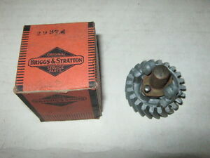Genuine Old Briggs Stratton Gas Engine Governor Gear 29374 Model A