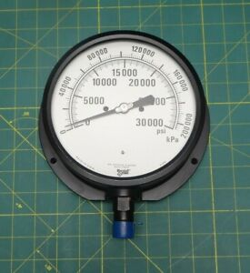 6 Marshalltown Pressure Gauge 0 200 000 Kpa 0 30 000 Psi Bottom 1 2 Npt 91995