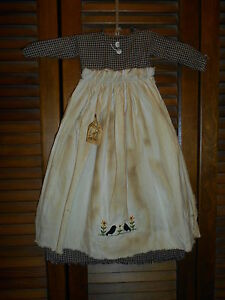 Primitive Wall Decor Dress Black Check W Apron Crows And Flowers Blackbirds