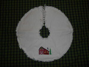 Reindeer Barn Embroidered Tree Skirt 18 Christmas Country