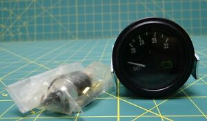 Stewart Warner Heavy Duty Plus Voltmeter P n 82377 20 To 32 V 2 1 16 Diameter