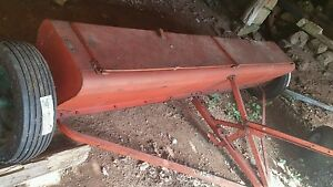 Vintage 1950s New Idea 101 Lime Drill Farm Equipment
