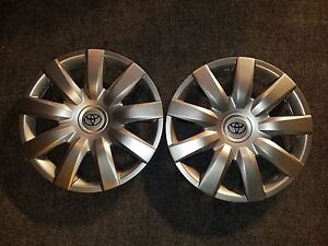 1 New Pair 2004 04 2005 05 2006 06 Camry Hubcaps 15 Wheel Covers 61136