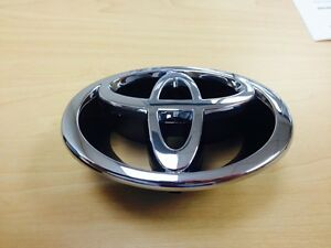 Genuine Toyota Corolla 2001 Front Grille Emblem Badge 7531102080 New