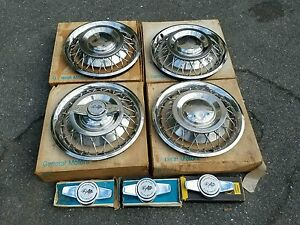 Nos Gm 1962 63 Chevrolet Wire Wheel Spinner Hubcaps 3826516