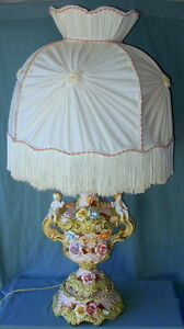 Vintage Capodimonte Porcelain Cherubs And Flowers Lamp Beautiful Button Shade