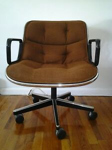 Mid Century Modern Charles Pollock For Knoll Dark Brown Office Chair