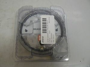 New Dwyer 2000 00 asf Magnehelic Pressure Gauge 0 25 Inches Of Water