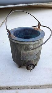 Antique Sta warm Heated Dispensing Melt Pot